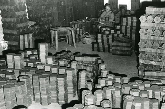 Musée de la céramique Terra Rossa à Salernes : usine tomette, recette, tri, calibrage.