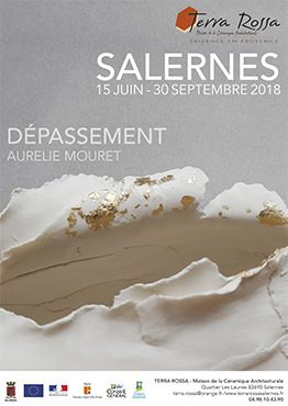 Affiche de l'exposition de céramiques Dépassement d'Aurélie Mouret au musée de la céramique Terra Rossa à Salernes